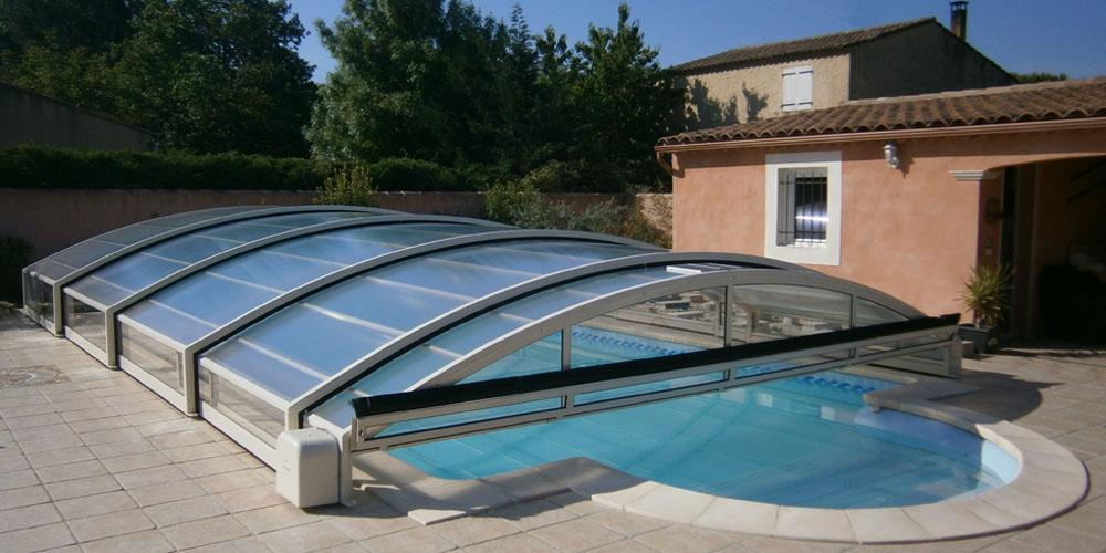 Abri de piscine bas motorisé Génie